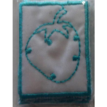 Felvarrható ovis jel - ovis címke - eper, 4 x 3 cm, 5 db -os csomagban.