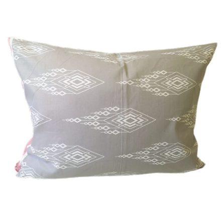 15 mm-es, fehér apró szatén virág, 10db-os kiszerelésben.