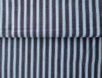 Rugalmas vászon textil, sötétbarna színben - 140 cm széles.