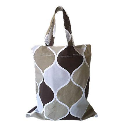 Fekete magában mintás 330 gr-os rugalmas textil.