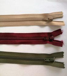 GT-10-es vastag fogú, bontható, műanyag cipzár, 65cm hosszú, többféle színben