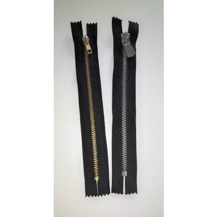 Zárt végű fém cipzár - húzózár - 18 cm fekete színű, többféle fogazattal.