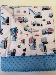 Királykék minky - fehér alapon kék munkagépes baba takaró 75x100 cm