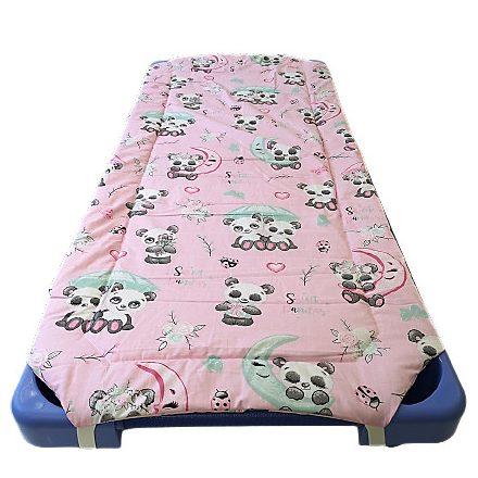 Óvodás gumifüles töltött lepedő 55x130 cm rózsaszín panda mintás