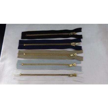 Zárt végű fém cipzár - húzózár, 16 cm hosszú, többféle színben.