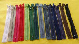 RT0, 20 cm hosszú, zárt, műanyag, spirál fogú cipzár - húzózár többféle színben
