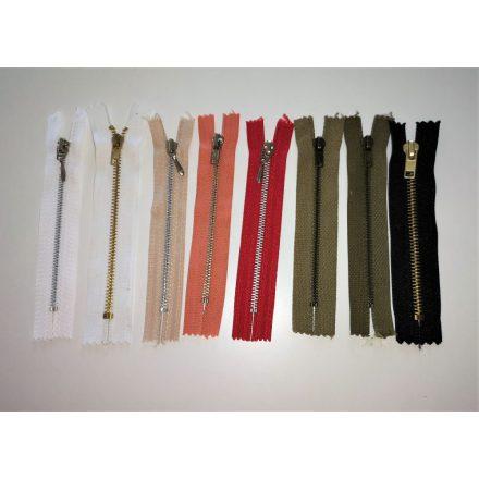 Zárt végű fém cipzár - húzózár - 12 cm hosszú, többféle színben.