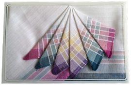 Színes ruhazsebkendő csomag, szélén csíkos mintával hölgyeknek.