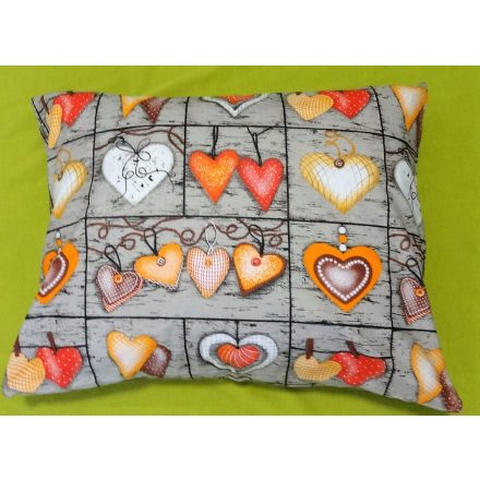 Szürke - narancs szív mintás, pamut kispárna huzat, 40x50 cm, cipzáras záródással.