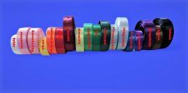 18 mm széles, egyoldalas szatén szalag, többféle színben.