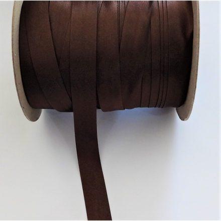 Szatén ferdepánt 18 mm széles, sötétbarna színű.