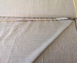 Szürke hosszanti csíkos  gyapjú tartalmú szövet 150 cm széles
