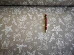 Fehér alapon színes karácsonyi mintás pamutvászon