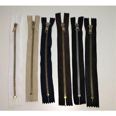 Zárt végű fém cipzár - húzózár - 20 cm hosszú, többféle színű.